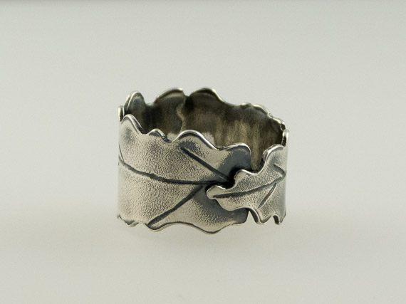 silver oak leaf ring €30.50