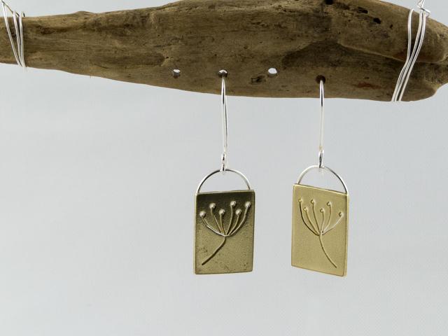 brass seed head earrings €25.50