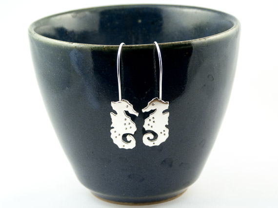 silver seahorse earrings €27.50