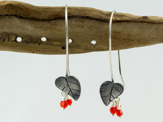 oxidised silver winter berry earrings €24.50