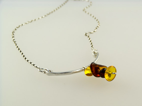 silver and amber necklace €35.50