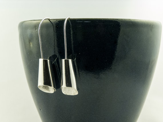 silver foxglove earrings €35