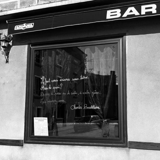 bar window, Brioude
