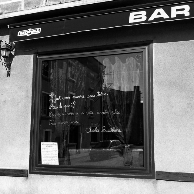 bar window, Brioude