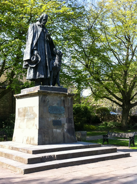 Tennyson statue, Lincoln