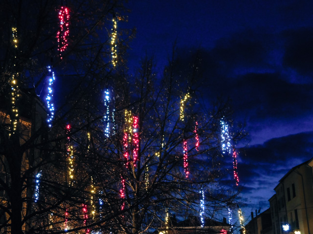 christmas lights, brioude