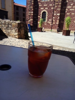 Iced raspberry tea, Brioude