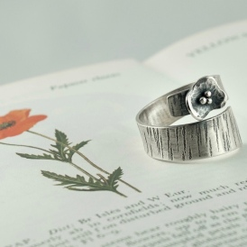 adjustable poppy ring
